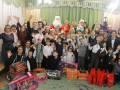 В гости к детям из «Гнездышка» пришли Дед Мороз и Снегурочка